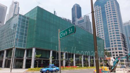 クラブストリート入口