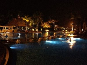 シャングリラの夜のプール1